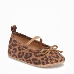 Adorable leopard ballet flats for baby girl
